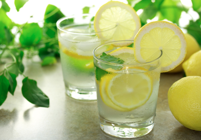 Lemon-Water-adinatisma-greece