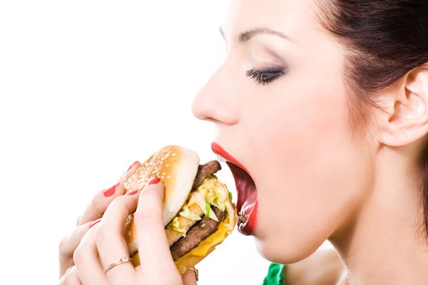 woman-eating-adinatisma-greece